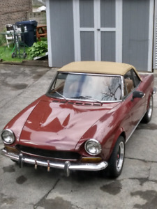 '74 Fiat spider 124 - (comes with complete '73 parts car)