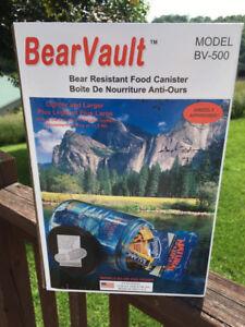 NEW Bear Vault Bear Resistant Food Canister BV500 * BRAND NEW*