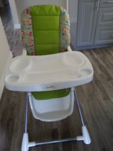 Evenflo Highchair with removable tray