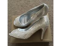 Silver sparkly peep toe shoes size 4