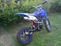 150cc loncin Pit bike honda crf 150 copy ( 1 owner)