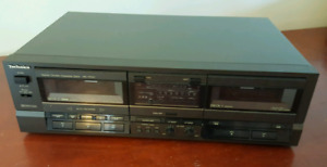 Technics Stereo Double Cassette Desk RS-TR157