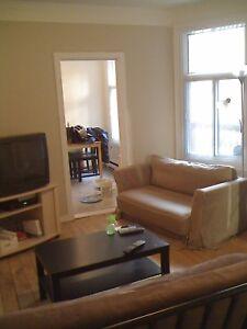 Belle appartement à louer libre dès SEPTEMBRE! Faite vite!'
