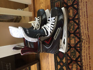 Pro Stock size 8 Bauer apx 2 skates - used once
