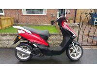Sinnis Falcon 49cc Moped - 3 Years Old - Full Mot