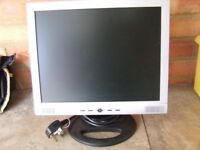 15 inch FLAT SCREEN, COMPUTER MONITOR, L.C D. ...GOOD CONDITION FULLY WORKING , WITH SPEAKERS
