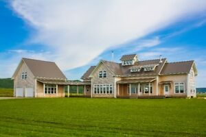 21.28 ACRES/3 BD EACH WITH ENSUITE/STUNNING HOME IN MEDFORD