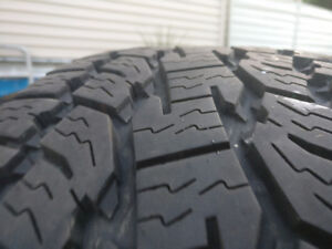 4 Toyo A/T tires (255/75R17)