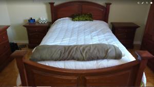 Set de chambre en bois merisier couleur cognac