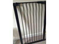 Safety gate for baby or pet, excellent condition.