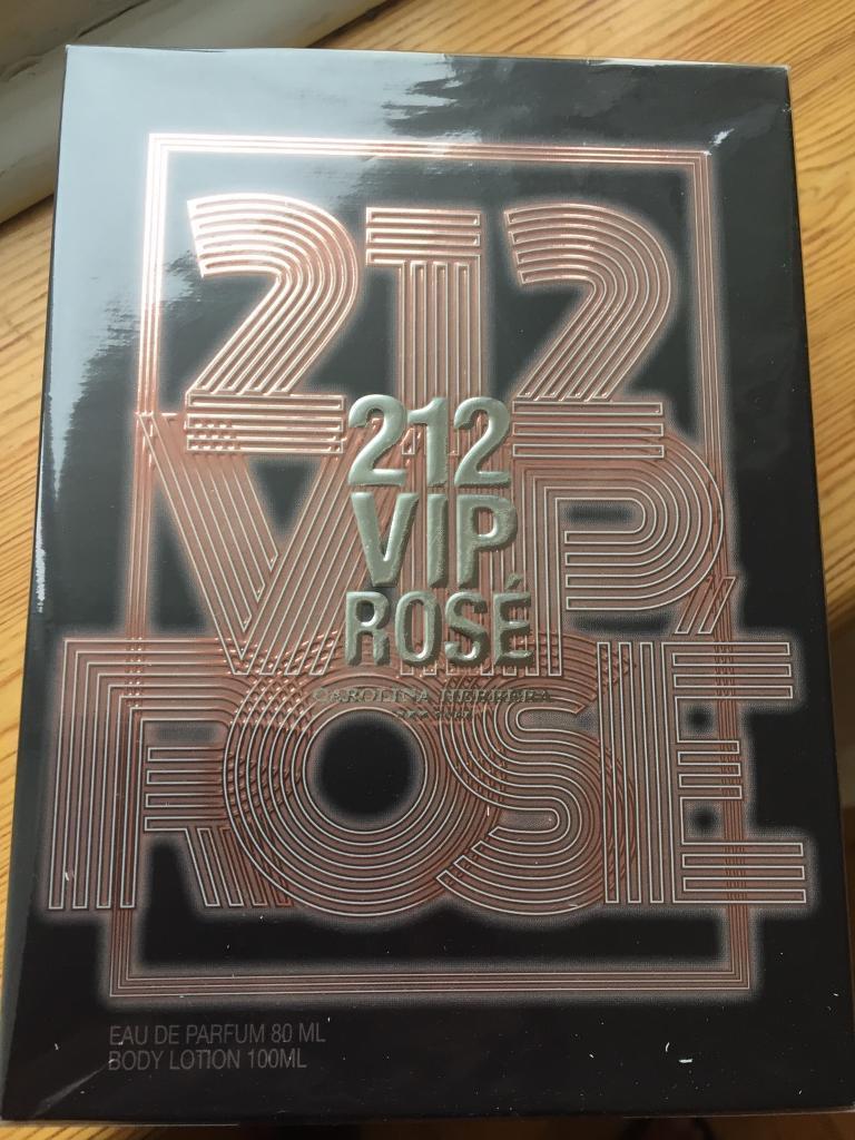 VIP 212 Rose perfume set