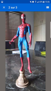 Diamond select spider-man statue