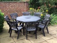 Beautiful garden table and 8 chairs