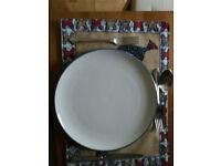 8 off M&S Hamilton Stoneware Dinner Plates - White with teal rim - 28cm