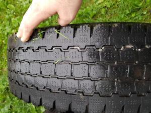 Bridgestone LT25/75r16 tire
