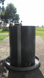 Round Feed Hoppers