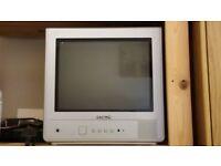 "HITACHI TV 15"" screen - FREE"