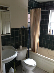DT Jones and Dundas house for rent. second floor single room