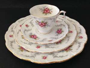 Royal Albert TRANQUILLITY 4 pce place setting.Cup,Saucer,2 Plate