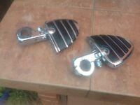 Motorcycle foot pegs