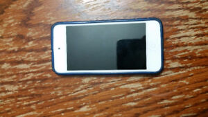 Ipod 5th Gen 32 GB Blue MINT CONDITION