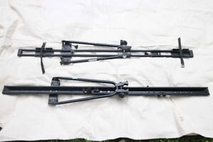 Thule Upright Bicycle Carriers