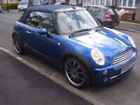 Mini Cooper Convertible in Metallic Hyper Blue 2006