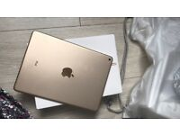 iPad Air 2 - MINT CONDITION / NEW - GOLD - 16GB