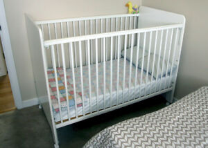 baby crib with mattress & high chair