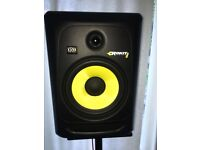 Rockit krk 8 inch with speaker stands