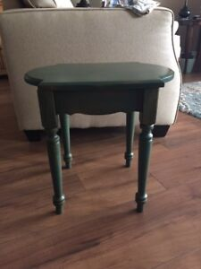 Bombay solid pine side table