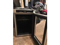 Mini fridge / wine fridge