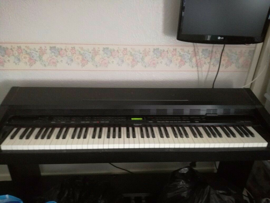roland kr 3000 electric piano in bournemouth dorset gumtree. Black Bedroom Furniture Sets. Home Design Ideas