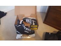 Bauer S140 (Sr) Ice Hockey Skates - Size 9 - Entry Level - Perfect for Beginner