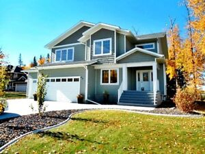 EXECUTIVE 4-BDRM ACREAGE HOME W/ TRIPLE GARAGE IN SPRUCE GROVE