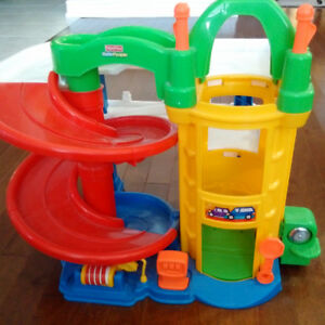 Fisher-Price Little People Racing Ramps Garage