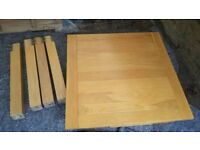 OAK EXTENDING DINNING TABLE 4X LEATHER CHAIRS