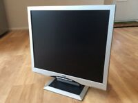 CTX TFT Computer Monitor with Sound (VGA)