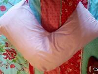 V neck pillow