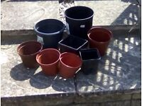 Assorted plastic Flowerpots-round and square, many sizes. 50 pots for £5.00.