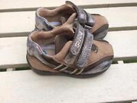 Boys scholl shoes size 4