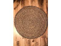 Raffia round rug