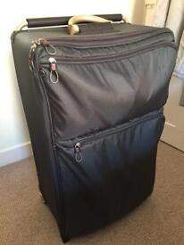 iT Large Grey Suitcase