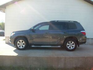 2009 Toyota Highlander AWD SUV - GREAT SHAPE WITH LOW KM'S!