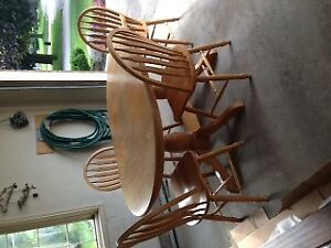 Solid Oak Table, 6 Chairs