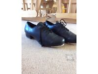 Size 4 Tap shoes