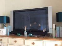 Hitachi Plasma 42 inch TV with detachable speakers