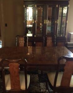 Elegant Dining Room Set