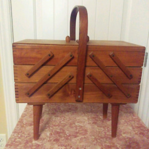 Antique / vintage sewing box