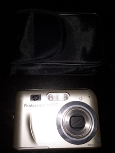 HP Photosmart digital camera  with case